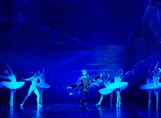 ETC composes beautiful light for the Tchaikovsky State Theater of Opera and Ballet